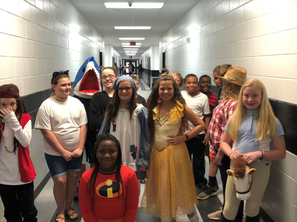 "5th Grade Students Show Their ""Character"""